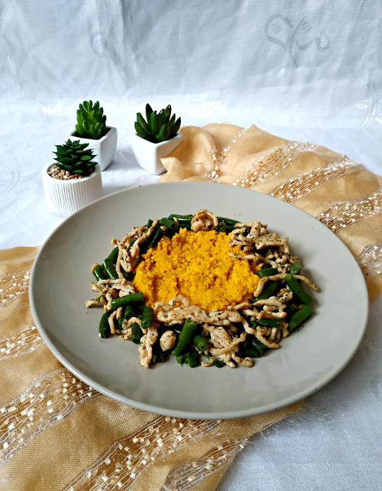 kasza jaglana z mięsem mielonym i fasolką szparagową